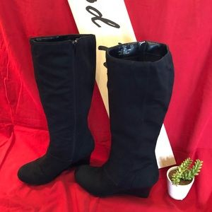 "Black wedge ""Katie"" boots"